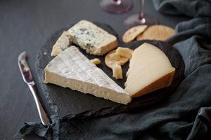 slate-cheese-board-slated-slated-ireland-heart-cheeseboard-wedding-foodie-3